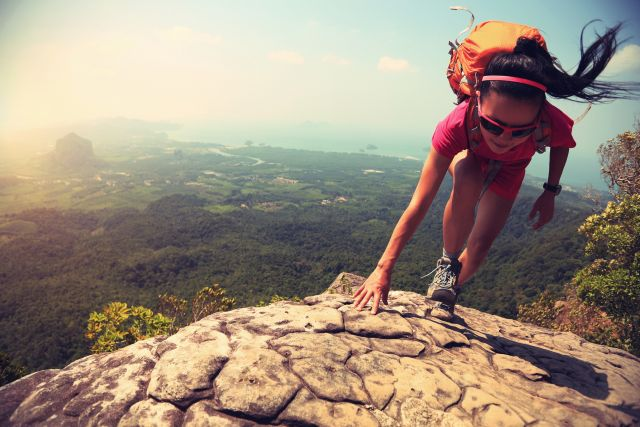Page d'accueil - Yes You can - sportive en montagne - Shutterstock redimmensionnée.jpg